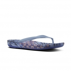 FitFlop™ iQUSHION™ Ladies Ergonomic Toe Post Flip Flops Daisy Print Royal Blue