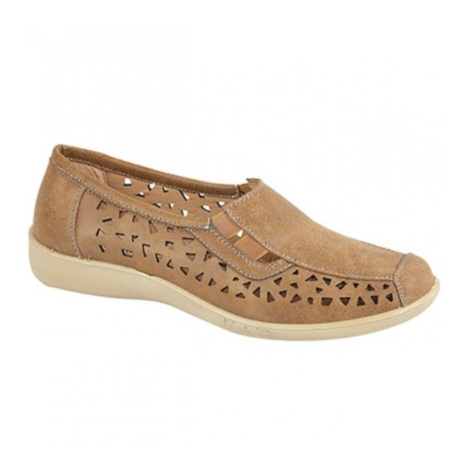 Boulevard MARSHA Ladies Cut-Out Slip-On Shoes Tan