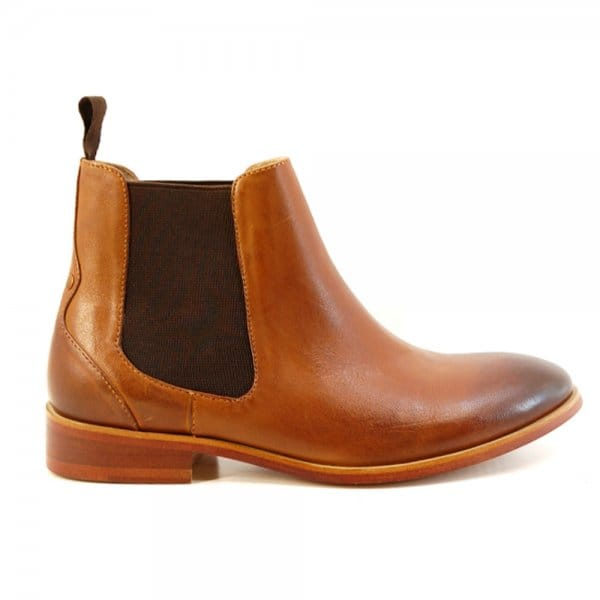 Discover our range of Chelsea Boots. Shop our collection of heeled Chelsea boots and flat Chelsea Boots at ASOS.