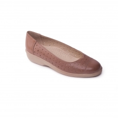 FAYE Ladies Leather Extra Wide (2E) Pumps Beige