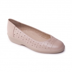 FAYE Ladies Leather Extra Wide (2E) Pumps Taupe