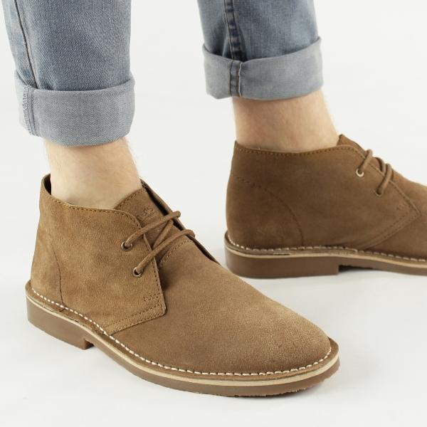 Strong points of the men's desert boot