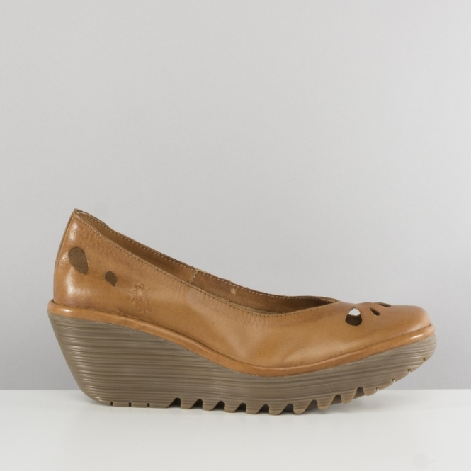 Fly London YERN832FLY Ladies Womens Wedge Heel Shoes Tan  2de648a57